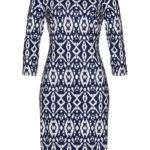 Sukienka bonprix beżowo-ciemnoniebieski z nadrukiem