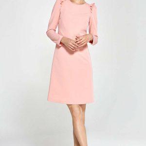 Różowa Sukienka Trapezowa z Falbankami na Ramionach.