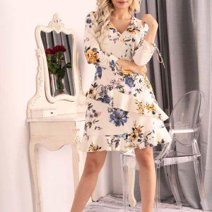 Sukienka Kopertowa w Kwiaty z Falbankami.